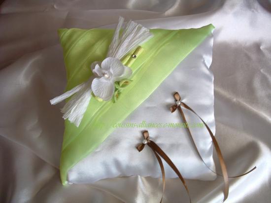 coussin carré blanc vert anis thème orchidée