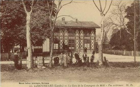 Labouheyre - Cour de la gare