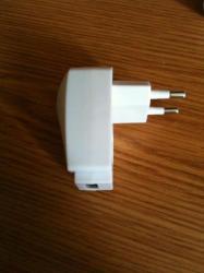 prise avec entrer USB 5.00Frs