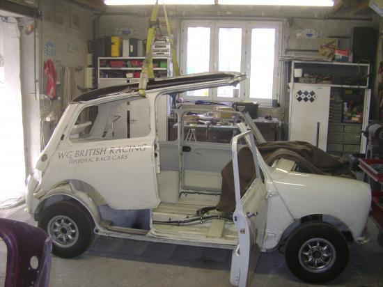 austin mini 1300s mini tours auto 2010. Black Bedroom Furniture Sets. Home Design Ideas