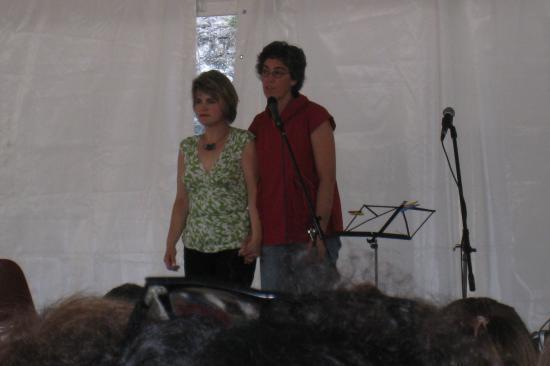Maryline et Guylaine en plein show