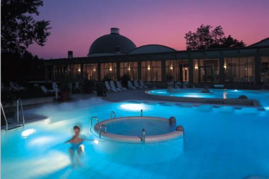 Les thermes en allemagne une v ritable institution for Nudiste piscine