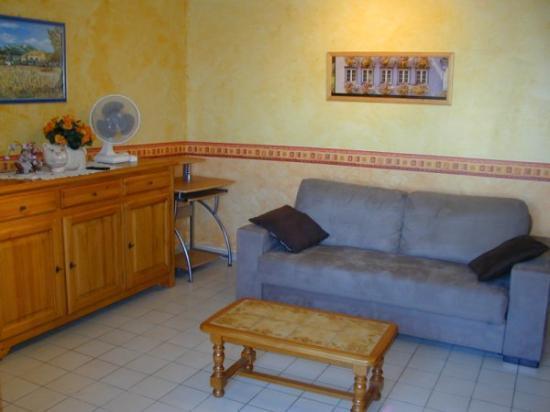 meubl s touristique centre ville de montpellier. Black Bedroom Furniture Sets. Home Design Ideas