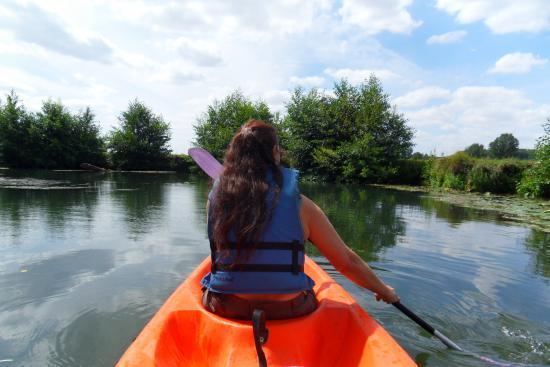 Annick en canoë sur l'Epte