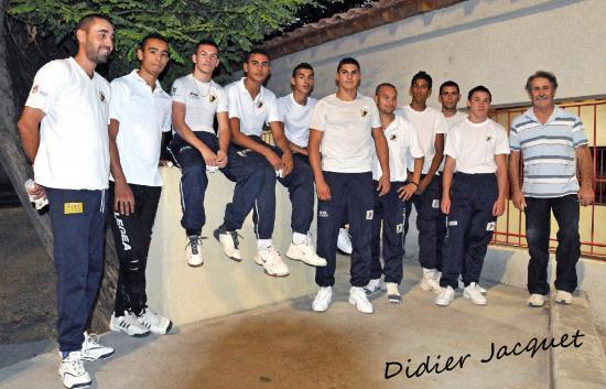 Le groupe des élèves à Vallabrègues