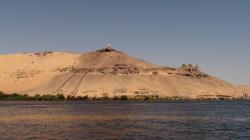 Bâtiment abritant le tombeau d'un Cheikh en haut de la colline - Août 2009