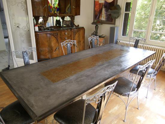 Table en r sine de b ton plus m tal - Fabriquer une table en beton ...