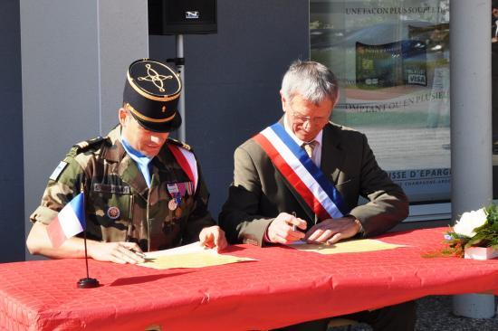 Signature de la Charte de Jumelage