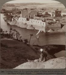 L'île de Philaé vue de l'île de Bigeh en 1904