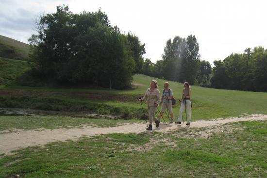 Sylvie, Elena, Béatrice