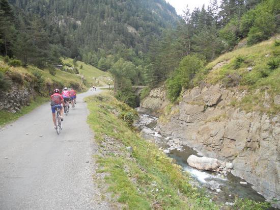 Montée de la vallée de Rioumajou
