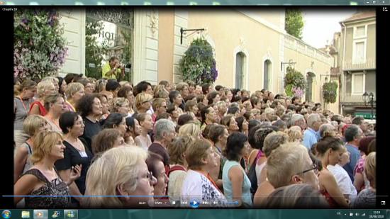 Concert des Fous Chantants  place de la Mairie à Alès