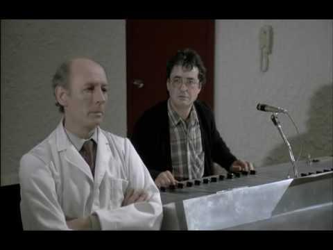 Milgram Experiment (Derren Brown) - YouTube