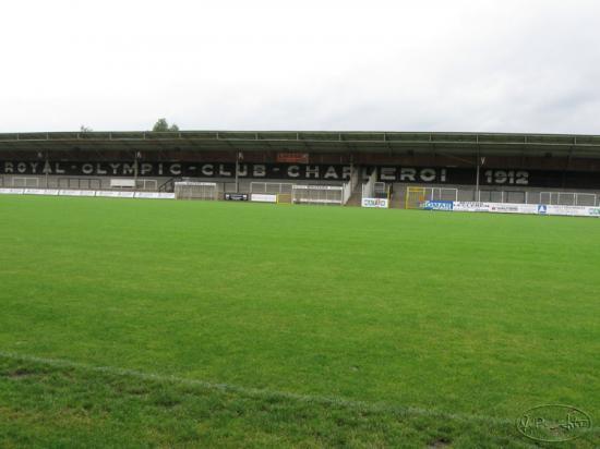 Montigny sur sambre for Le stade du miroir
