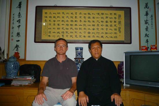 Laurent Serruys en compagnie du Maître Qin Ching Fong