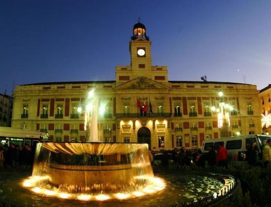 Voyages pour la saint sylvestre for Puerta del sol 3