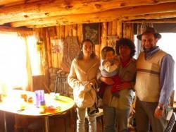 Carlos, Sergio y Simbad, Veronica en la casa de V&S - Alumine