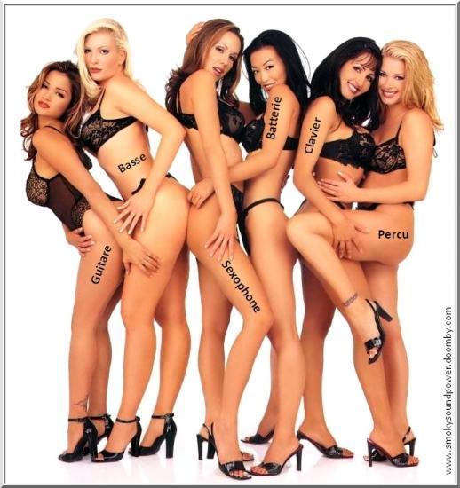 Группа голых девушек фото