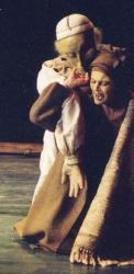 Roxane Lebrun dans La Cantate Rebelle (rôle de Saphora)