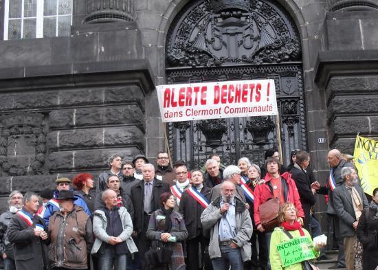les-militants-anti-incineration-descendent-dans-la-rue