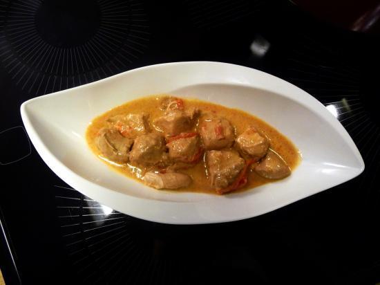 Poulet tha au curry rouge et lait de coco - Poulet au curry et lait de coco ...