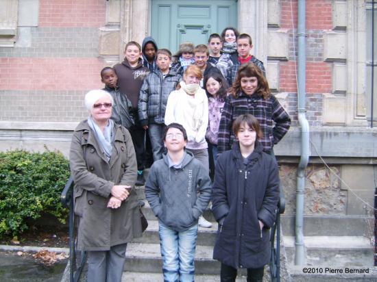 Les élèves de sixième et cinquième de la SEGPA Jean Rostand visitent l'Hôtel Dieu.