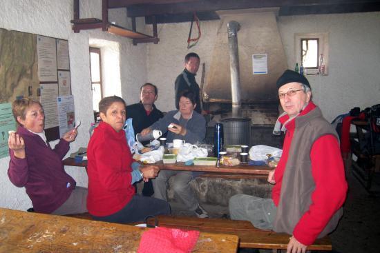 Randonneurs au refuge d'Ambel