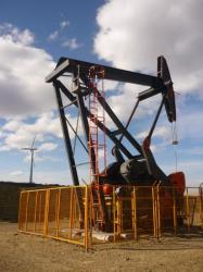 El petroleo es todavia mas grande que el viento...