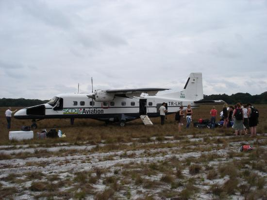 On the runway at Iguela (2007)