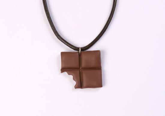 pendentif carré chocolat croqué