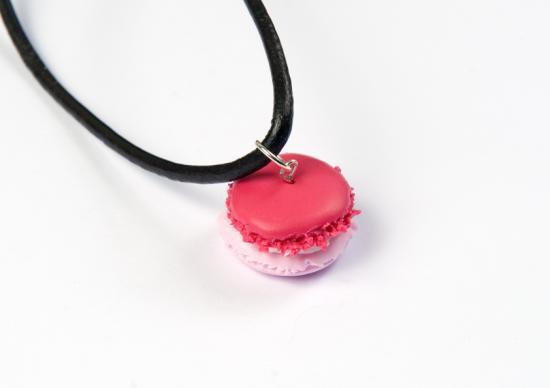 pendentif macaron framboise/fraise