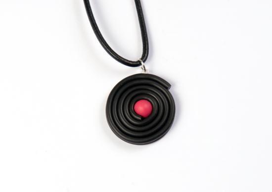 pendentif réglisse bonbon rose