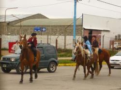 Desfile gaucho en las calles de Rio Grande