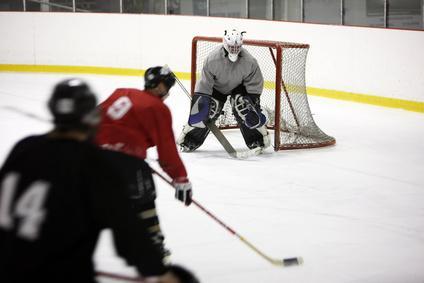 Faire du hockey sur glace entre amis