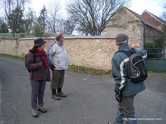 Paula, Antoine, Jean , Côte du Château à Lattainville