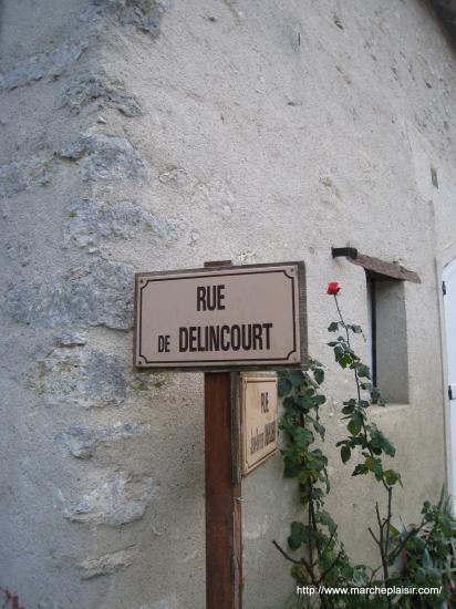 Rue de Delincourt à Lattainville (60)