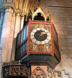 Horloge carillon, Beauvais