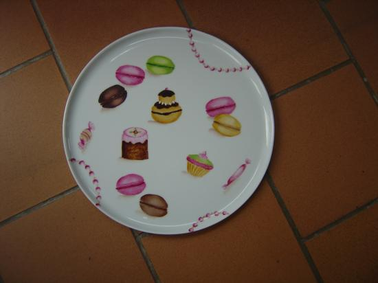Peinture sur porcelaine for Modele de peinture decorative
