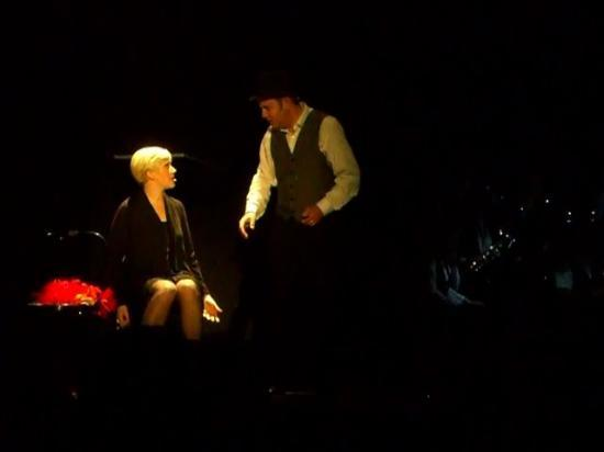 Roxie et Amos Hart