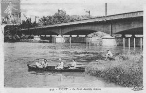 Vers le pont à Vichy