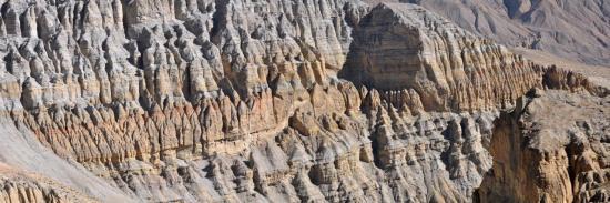 Falaises du Mustang : le délire géologique (entre Marang et Tsarang)