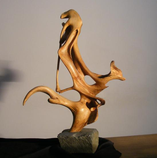 sculpure contemporaine en micocoulier