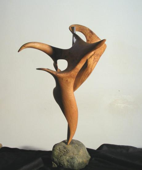 sculpture contemporaine en chataignier