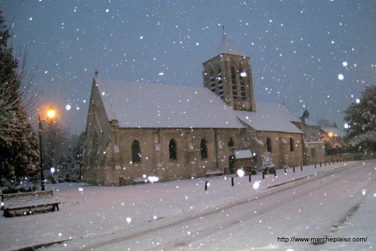 L'église d'Osny sous la neige