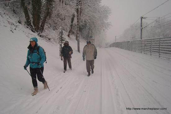 La route de Boissy l'Aillerie à Osny