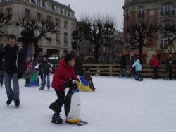 La patinoire, place du Forum