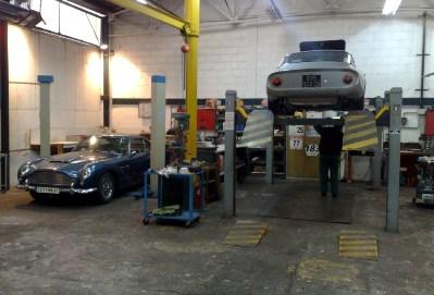 Restauration auto de collection sp cialiste aston martin classiques paris - Garage d entretien automobile ...