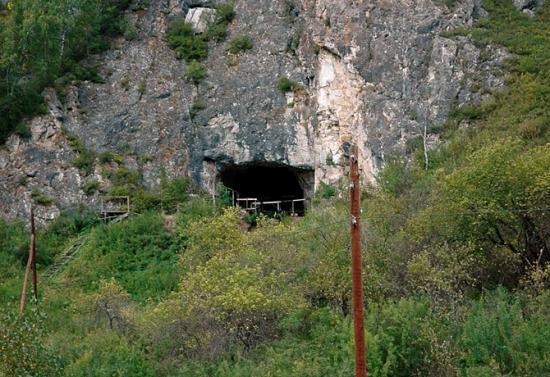 denisova denisovien grotte russie russia Mélanésien Svante Pääbo sapiens homo neandertalensis papouasie nouvelle guinée denisova cave nouvel hominidé phalange molaire 24 mars 2010 homme de néandertal homme moderne humain humanité 40000 ans
