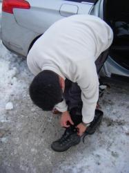Toujours la galère quand il faut mettre des chaussures de ski ?