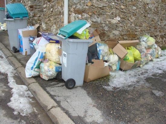 La Chapelle-Monthodon...pas de ramassage des ordures ménagères depuis plusieurs semaines!